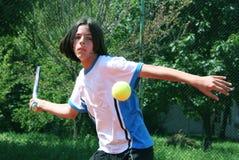 Tennisanschlag Stockbild