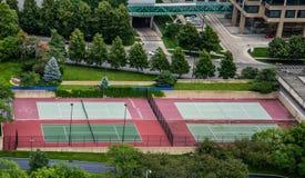 Tennisbanor i staden Fotografering för Bildbyråer