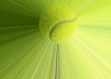 Tennisboll med handling Arkivfoton