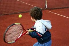 Tennisjunge Stockfotos