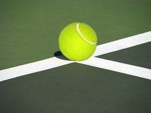 Tenniskugel. Lizenzfreie Stockfotografie