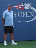 Tennislagledaren och mästaren Ivan Lendl för storslagen Slam övervakar mästaren Andy Murray för den storslagna slamen under övnin Royaltyfria Foton