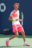 Tennisprofi Alexander Zverev von Deutschland in der Aktion während seines Matches des US Open 2016 der zweiten Runde Stockbild