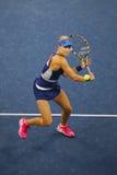 Tennisprofi Eugenie Bouchard während an dritter Stelle des Rundenmarsches an US Open 2014 Stockfotografie