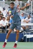 Tennisprofi Grigor Dimitrov von Bulgarien in der Aktion während seines Matches 2017 der US Open-zweiten Runde Lizenzfreie Stockfotografie