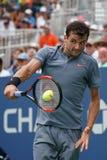 Tennisprofi Grigor Dimitrov von Bulgarien in der Aktion während seines Matches 2017 der US Open-zweiten Runde Lizenzfreies Stockfoto