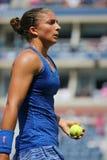 Tennisprofi Sara Errani während des vierten Rundenmatches an US Open 2014 Stockbilder