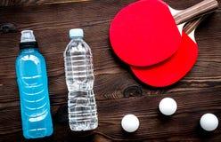 Tennisracket - geschiktheid in de houten hoogste mening als achtergrond royalty-vrije stock foto's