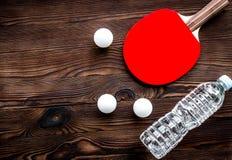 Tennisracket - geschiktheid in de houten hoogste mening als achtergrond stock afbeeldingen