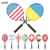 Tennisracket och flaggor Royaltyfri Foto