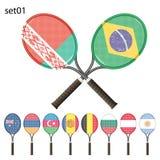 Tennisrackets en vlaggen Stock Foto's