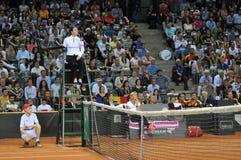 Tennisscheidsrechter, stoelscheidsrechter Stock Fotografie