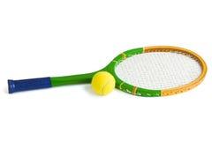 Tennisschläger und -kugel Stockbild