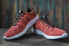 Tennisschoenen voor vrouw Schoeisel voor fitness en sport stock fotografie