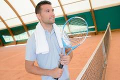 Tennisspeler bij netto royalty-vrije stock afbeelding