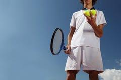 Tennisspeler met racket tijdens een gelijkespel Royalty-vrije Stock Fotografie