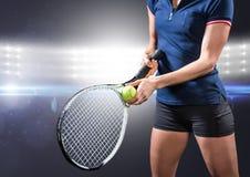 Tennisspeler tegen verstralers Stock Fotografie