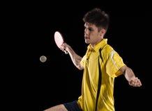 Tennisspielermann Tennispaddel und -Klingeln des Klingelns Pong lizenzfreies stockbild