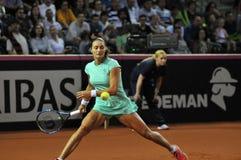 Tenniswoman в действии Стоковое фото RF