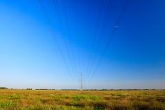 tension élevée de pylône de l'électricité Images libres de droits