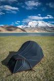 Tent bij Kara Kul-meer stock afbeeldingen