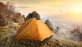 tent för su för region för berg för klyfta för adylcaucasus elbrus Royaltyfria Bilder
