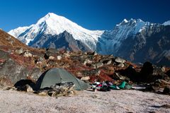 Tent and langtang peak Royalty Free Stock Images