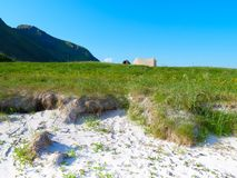 Tent op aard, Lofoten Noorwegen stock afbeeldingen