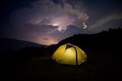 Tent vóór het onweer Royalty-vrije Stock Foto
