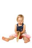 Tentative d'enfant en bas âge de relevé Images stock