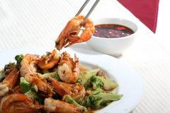 Tente algum camarão fritado com bróculos Fotografia de Stock