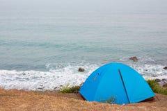 Tente de camping Photos libres de droits