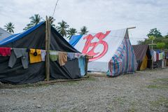 Tente de réfugié de tremblement de terre à Palu photos stock