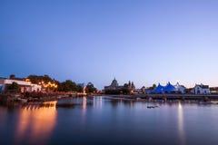 Tente de style de cirque de chapiteau et cathédrale bleues de Galway Photographie stock libre de droits