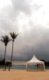 Tente formelle sur la plage Image stock