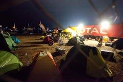 Tenten en fietsen Royalty-vrije Stock Afbeeldingen