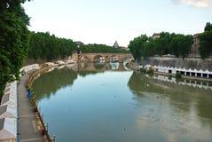 Tenten langs Tiber Royalty-vrije Stock Afbeeldingen