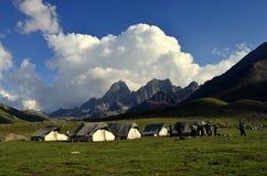 Tentes de camping chez Sonamarg Cachemire Inde images stock