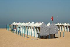 Tentes de plage au Portugal Photographie stock