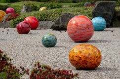 Tentoongesteld voorwerp tuiniert de getiteld ?Niijima-Vlotters door glaskunstenaar Dale Chihuly in Kew, Londen het UK royalty-vrije stock afbeeldingen