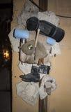 Tentoongestelde voorwerpen in de steengroeven van museumadzhimushkay Kerch stock foto