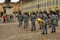 Tentoonstelling door de militaire korpsen van Bersaglieri stock afbeeldingen
