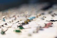 Tentoonstelling van producten van edelstenen stock fotografie