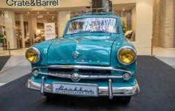 Tentoonstelling van zeldzame auto's van 40-70 jaren geleden van de 20ste eeuw Stock Afbeeldingen