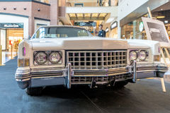 Tentoonstelling van zeldzame auto's van 40-70 jaren geleden van de 20ste eeuw Royalty-vrije Stock Afbeeldingen