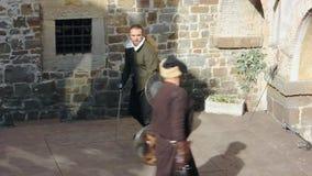 Tentoonstellingsduel bij het de zeventiende eeuw historische weer invoeren in Gorizia stock footage
