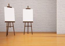 Tentoonstellingskunst Twee het Schilderen raadsschildersezel Stock Foto's
