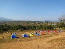 Tents för en radda för turist i Thailand Fotografering för Bildbyråer