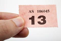 Tenuta del biglietto di Raffle immagini stock libere da diritti