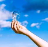 Tenuta della lampadina Fotografia Stock Libera da Diritti